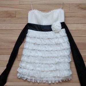 Frilly 1920s Style Flapper Homecoming Dress